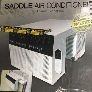Saddle air conditioner